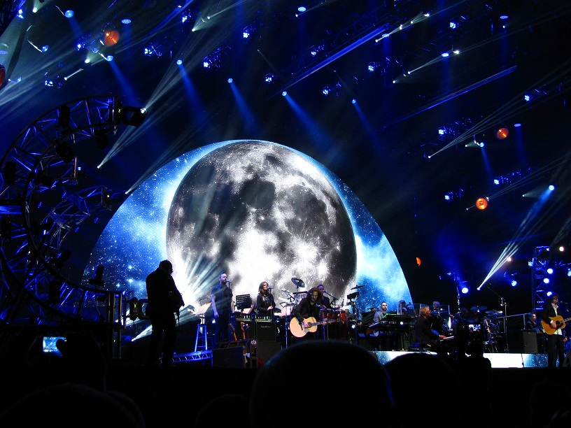 stage moon